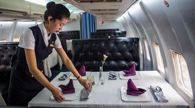 Ресторан внутри Боинга 737