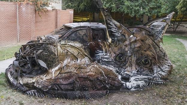 Скульптура Лиса из автозапчастей