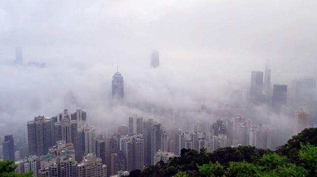 китайский город Гонконг, окутанный смогом