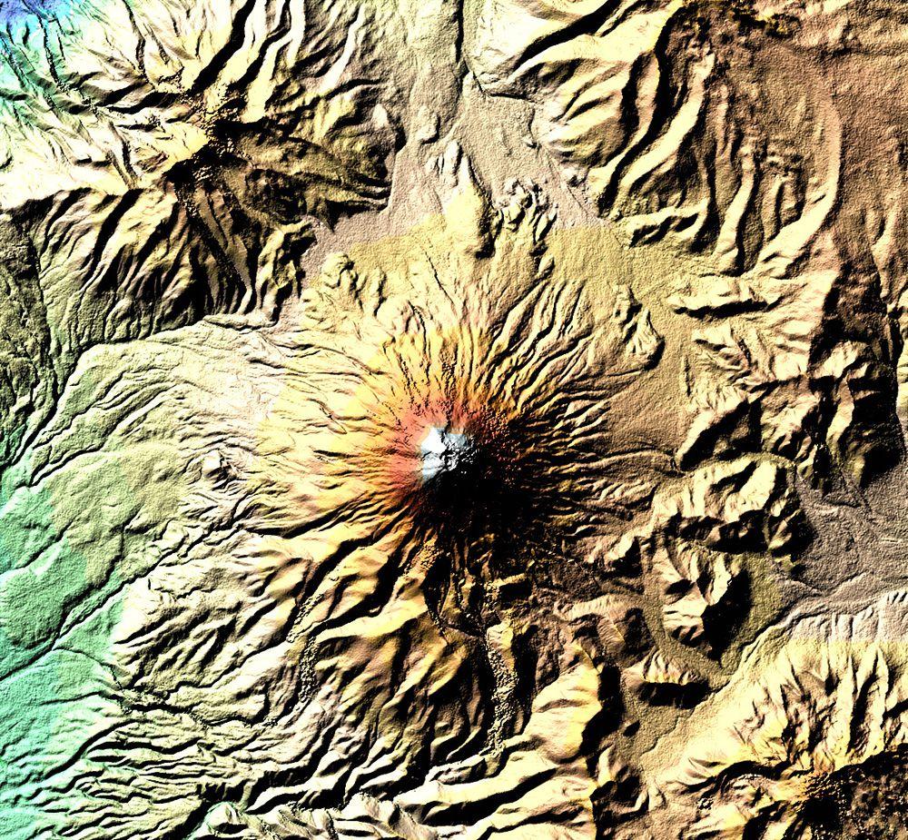 Котопахи известен как самый высокий в мире постоянно действующий вулкан
