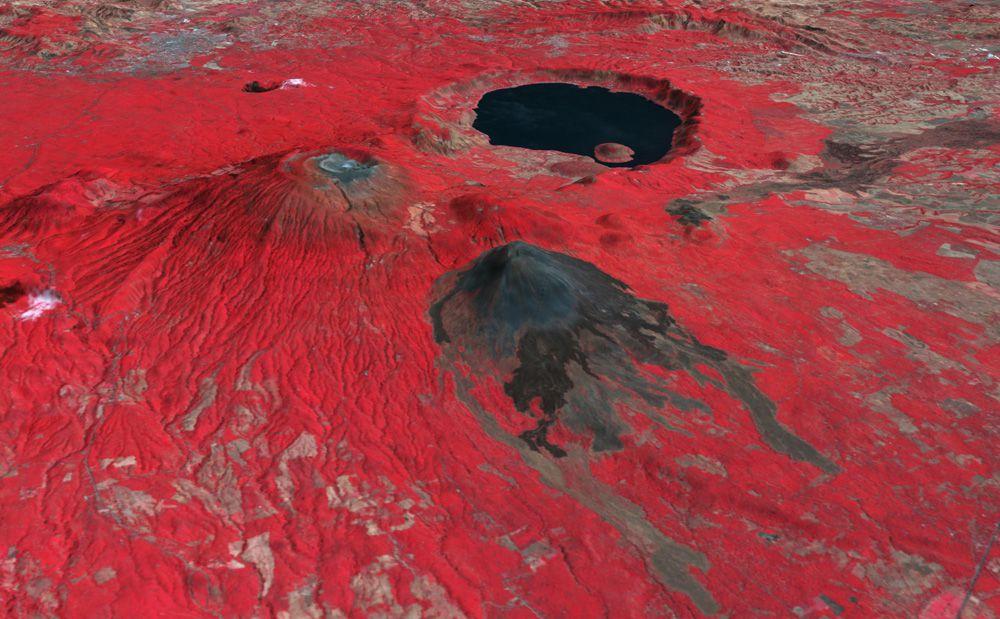 Вулкан Санта-Ана находится в левой части с плоским верхом