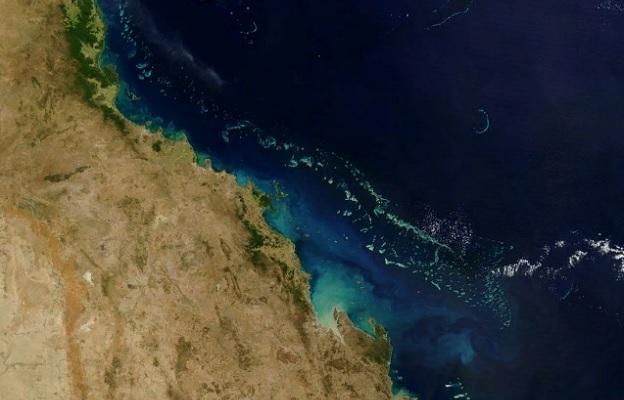 Вид Большого Барьерного рифа из космоса